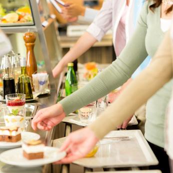 Repas à la cafétéria